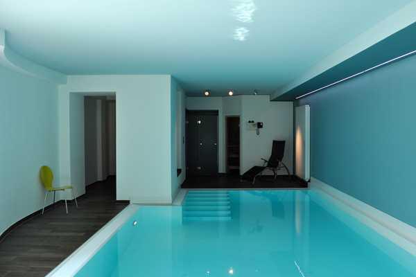 Swimming Pool in Stadtvilla