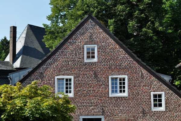 Außenansicht Dachgesch0ß und Dach